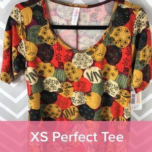 XS Lularoe Perfect T